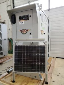 PowerGen 1200 with solar panel from Qnergy and OilPro